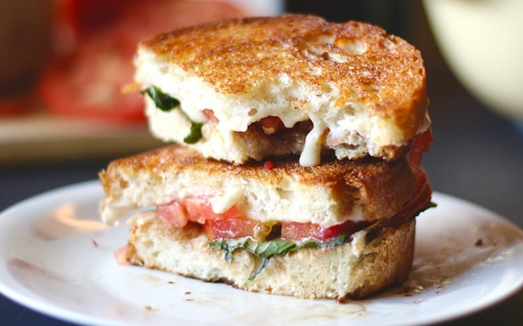Grilled Cheese Sandwiches With Vegan Mozzarella